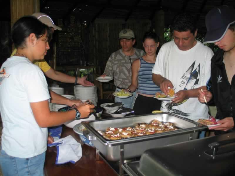Comida Tipo Buffet En Tlapacoyan Veracruz Mexico Rio Filobobos