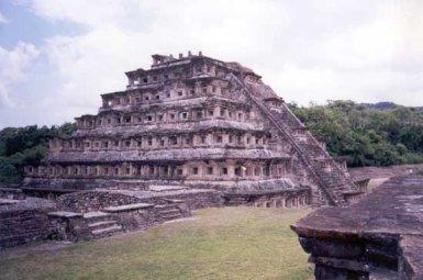 Pirámides De El Tajín Zona Arqueológica Papantla Veracruz